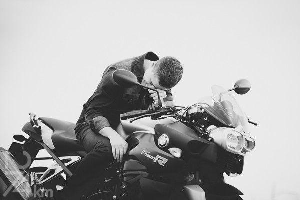sesión de fotos de chico con moto en barcelona (10)