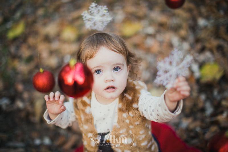 Sesión de fotos familiar y navideña en el bosque en otoño en barcelona (3)