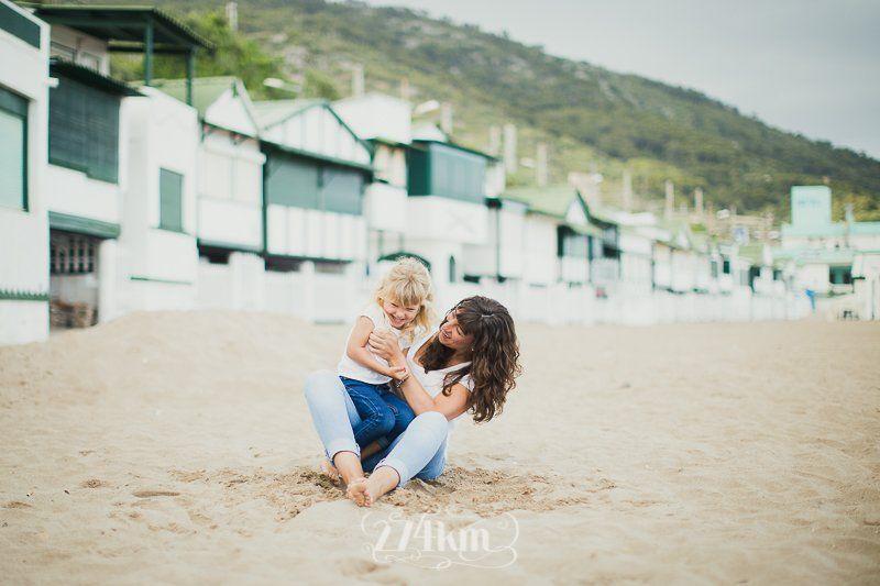 sesión de fotos familiar en la playa en barcelona (18)