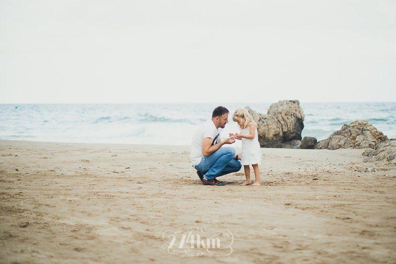 sesión de fotos familiar en la playa en barcelona (15)