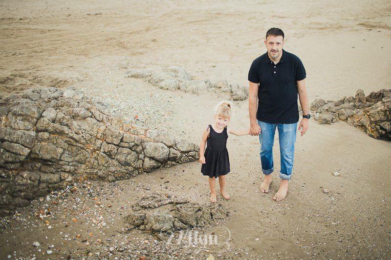 sesión de fotos familiar en la playa en barcelona (6)