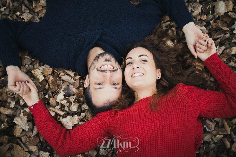 Sesión de fotos preboda en otoño en barcelona en exterior (4)